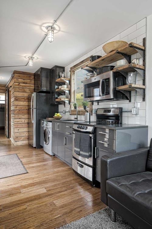 Modern Container Home With Rustic Elements – USA 3