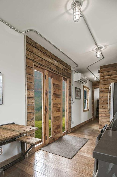Modern Container Home With Rustic Elements – USA 4