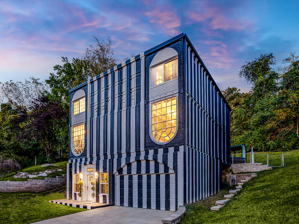 Shipping container home in St. Louis. – USA 3