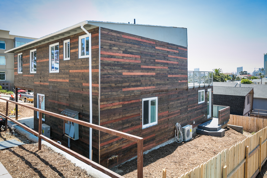 San Diego Shipping Container Home – USA 1
