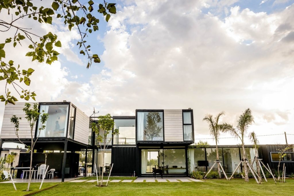 The Leone Loray Container Homes – Argentina 1