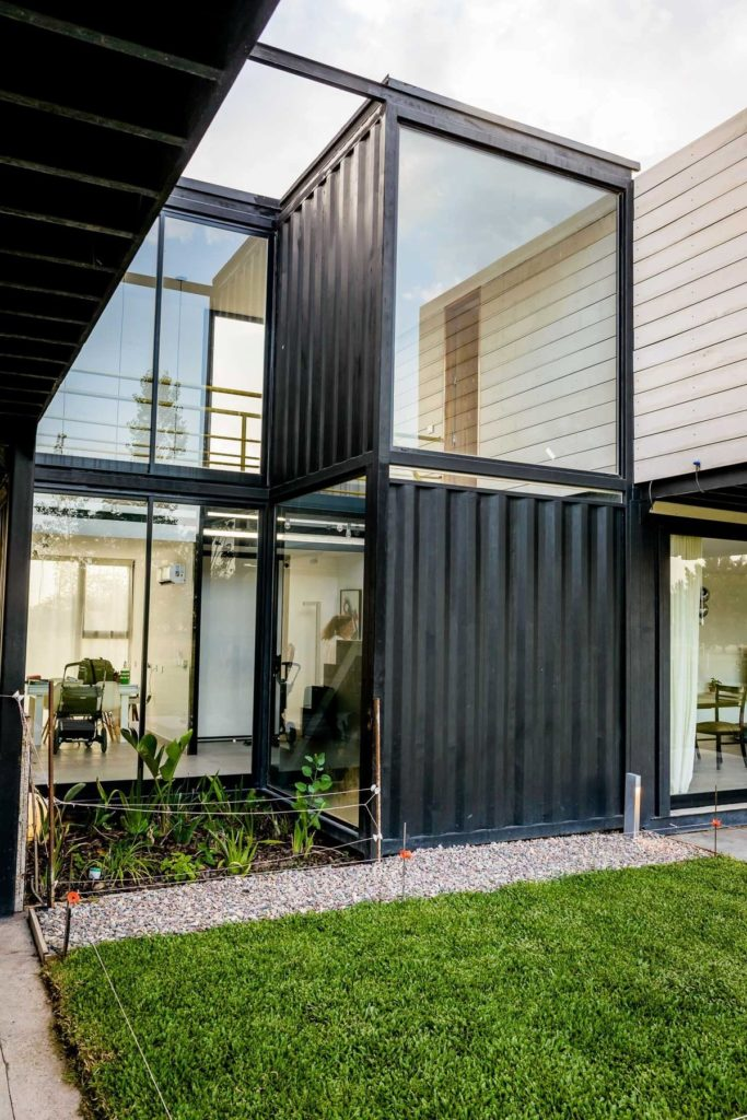 The Leone Loray Container Homes – Argentina 5